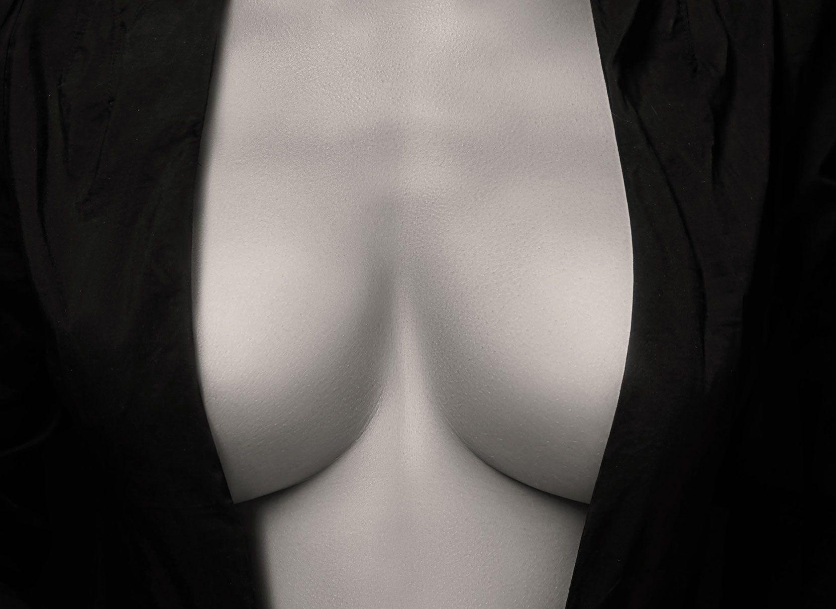 L'augmentation mammaire par prothèse à Paris 8 du Dr Pachet